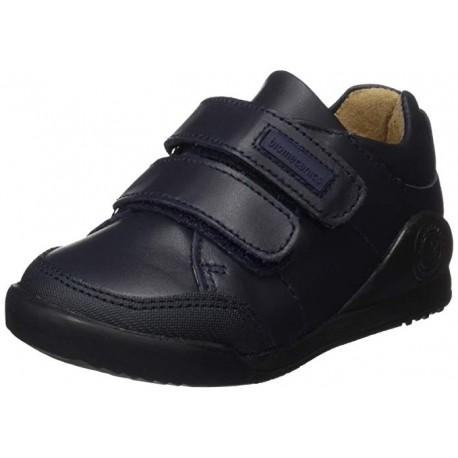 Zapato colegial Biomecanics con puntera reforzada
